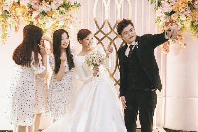 Đám cưới cổ tích xúc động của BTV Thời sự VTV Cẩm Tú và trai đẹp Người Ấy Là Ai-10