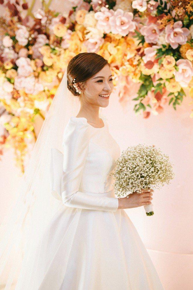 Đám cưới cổ tích xúc động của BTV Thời sự VTV Cẩm Tú và trai đẹp Người Ấy Là Ai-12