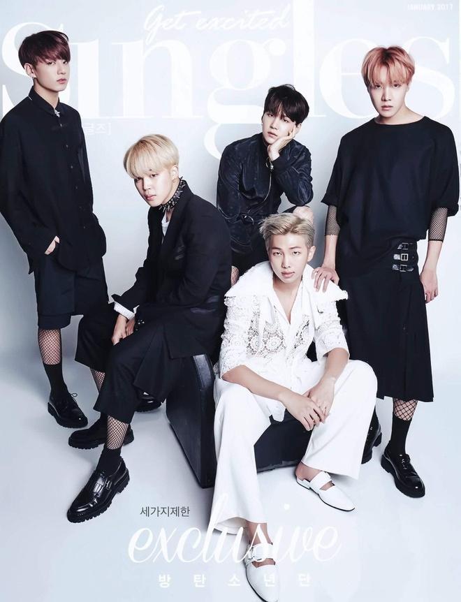 BTS không ngại mặc váy xoè, áo corset bó sát của con gái-9
