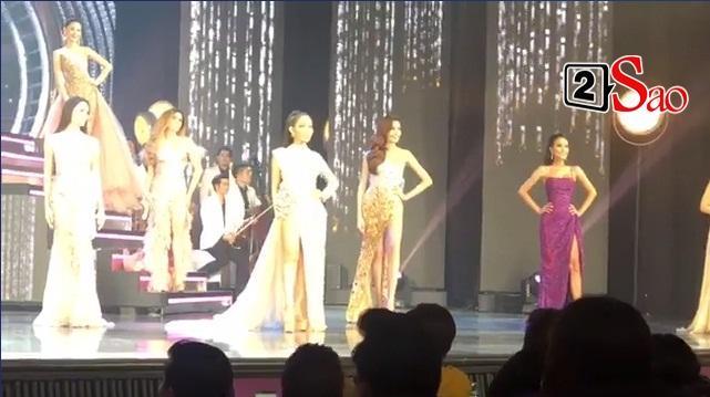 Hoài Sa và 20 thí sinh trình diễn trang phục dạ hội-3