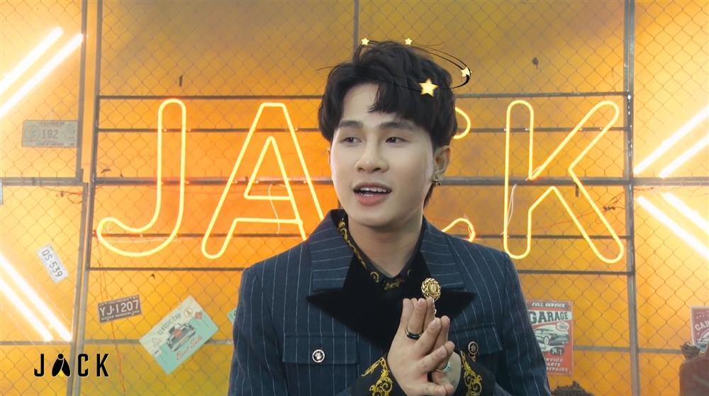 Bóc quà ngày 8/3 từ Jack, người hâm mộ phát hiện chi tiết đắt giá về MV mới của anh-1