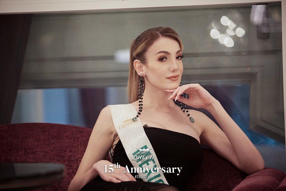 Nhan sắc tân Hoa hậu Chuyển giới 2020 kém nổi bật, vừa đăng quang đã bị khui ảnh dao kéo-5