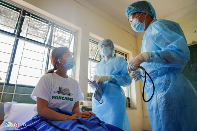 13/20 người ở TP.HCM bay cùng chuyến với bệnh nhân thứ 17 âm tính-1