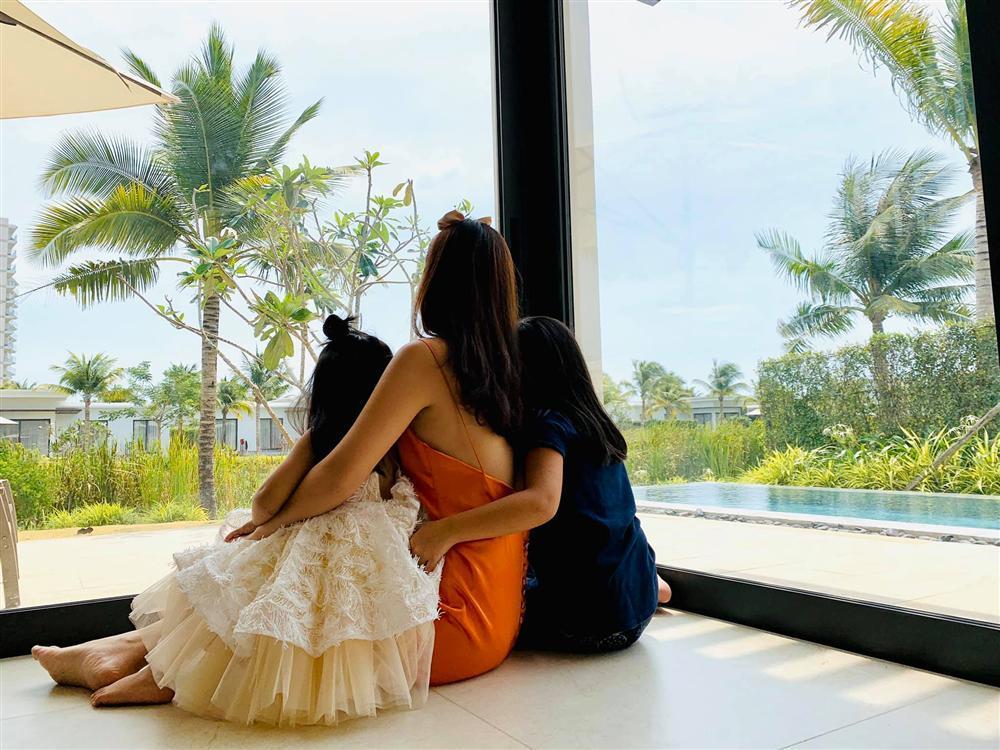 Phạm Quỳnh Anh - Quang Huy vui vẻ đoàn tụ chúc mừng sinh nhật con gái út-2