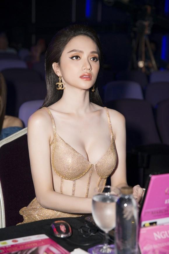Hoa hậu Hương Giang nói gì trước kết quả của đại diện Việt Nam tại Hoa hậu Chuyển giới Quốc tế 2020?-2