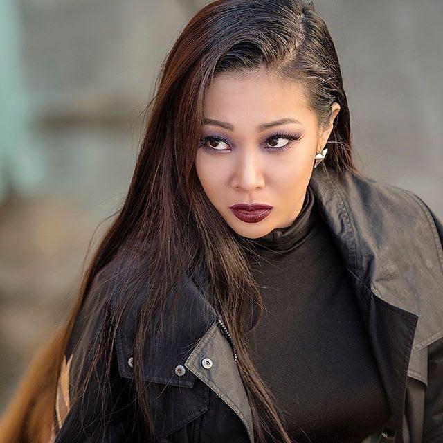 Lisa, HyunA đánh môi thâm vẫn được khen xinh đẹp-4