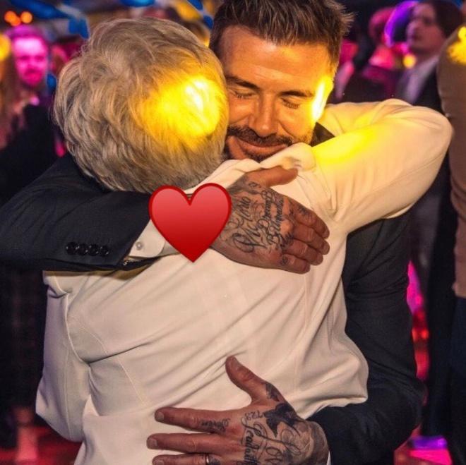 David Beckham ôm hôn Victoria-4