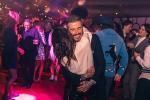 David Beckham ôm hôn Victoria
