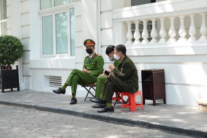 Ngoài phong tỏa khách sạn sang nhất Hà Nội Metropole, 2 khách sạn khác trong khu phố cổ cũng đã bị cách ly-3