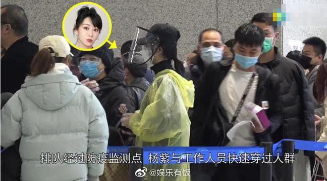 Chẳng cần giữ gìn hình ảnh nghệ sĩ, Dương Tử diện áo mưa, đeo mặt nạ kín mít chống virus corona-5