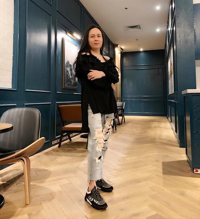 Bộ sưu tập những chiếc quần jeans rách toang, mặc lần nào thảm họa lần đấy của Phượng Chanel-7