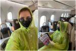 Quế Vân mặc áo mưa lên máy bay, chấp nhận bị chê 'điên' giữa dịch Covid-19