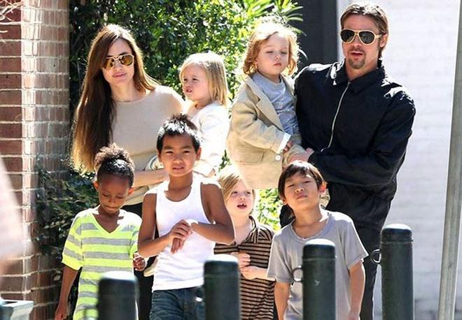 Angelina Jolie và Brad Pitt cùng chăm con sau phẫu thuật-2