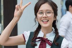 U40 Jang Nara được khen 'mặc đồng phục đi học cũng không vấn đề'