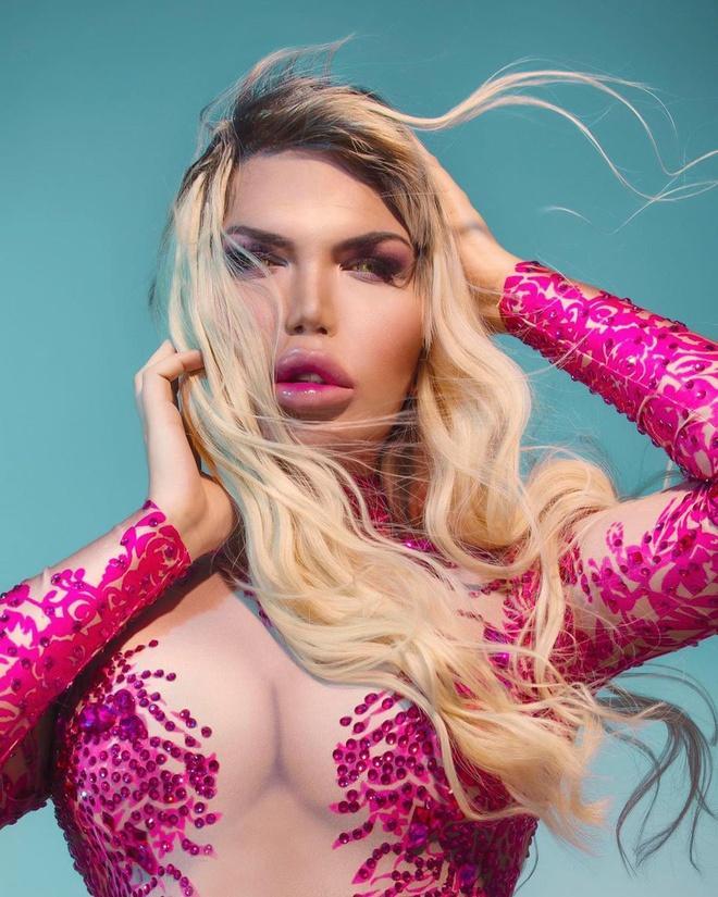 Từng nổi đình đám khi chi 850.000 USD dao kéo, búp bê Ken lại phẫu thuật chuyển giới thành Barbie-5