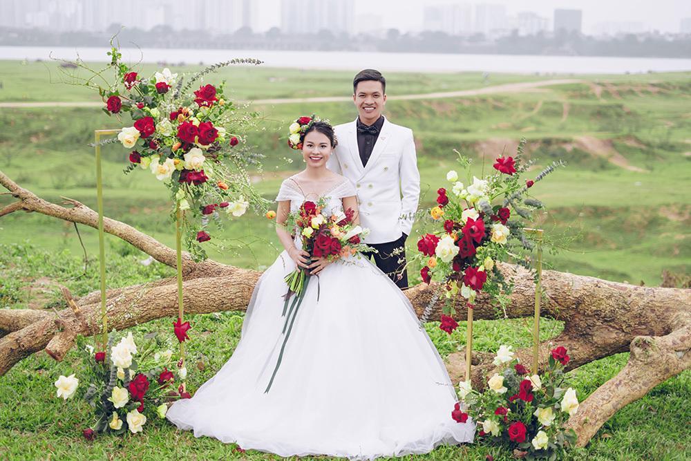 Cặp đôi khuyết tật nổi đình đám MXH Việt khoe ảnh cưới nét căng, đông đảo dân mạng chúc phúc-1
