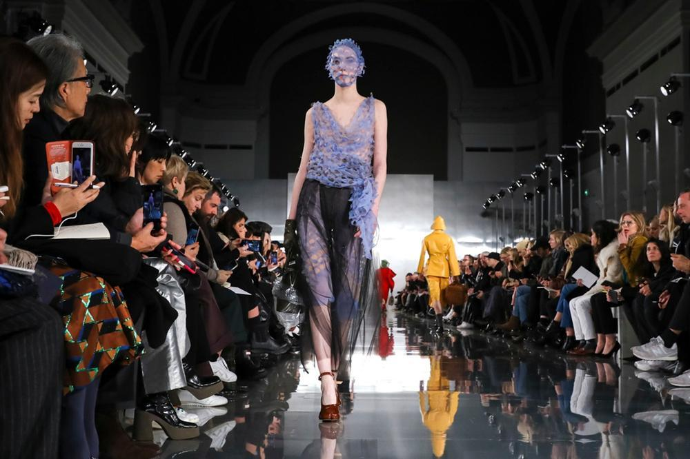 Bóc giá tấm vé dự fashion week của các rich kid và tín đồ thời trang-4