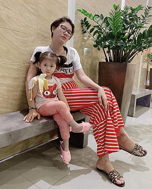 Trang Trần bức xúc vì con gái bị chê xấu-2