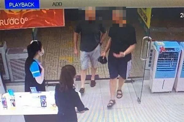 2 du khách người Anh đi massage trước khi phát hiện dương tính virus corona-1