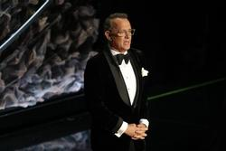 Tom Hanks và vợ xét nghiệm dương tính với virus corona tại Australia