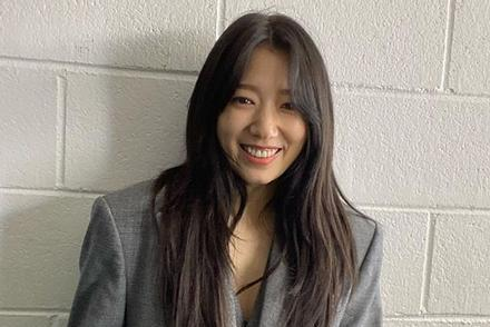 Park Shin Hye chia sẻ hình ảnh rạng rỡ giữa mùa dịch bệnh