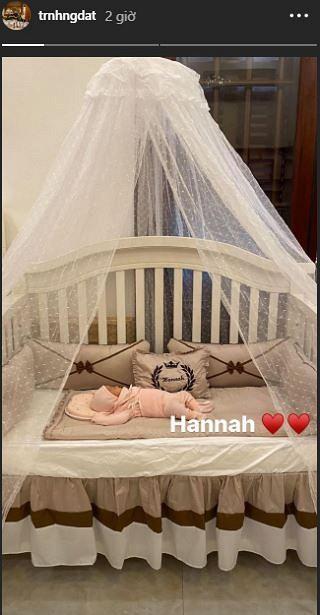 Hé lộ hình ảnh hiếm hoi về con gái mới sinh của rich kid đeo 200 cây vàng ở Nam Định-4