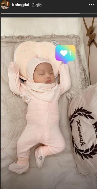 Hé lộ hình ảnh hiếm hoi về con gái mới sinh của rich kid đeo 200 cây vàng ở Nam Định-5