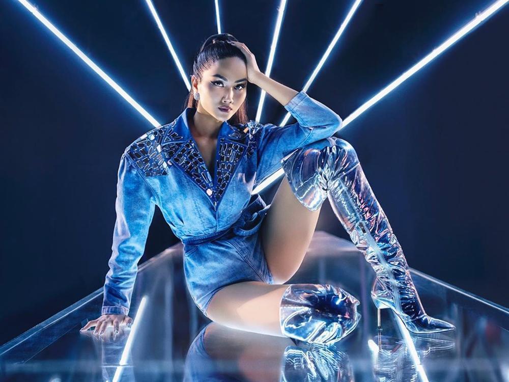 Bản tin Hoa hậu Hoàn vũ 13/3: HHen Niê cho đối thủ biết thế nào là lợi hại khi mặc đồ jeans-1