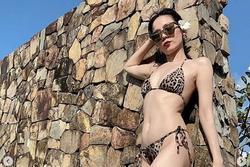 U40 Lệ Quyên mặc bikini khoe đường cong khiến chị em ghen tỵ