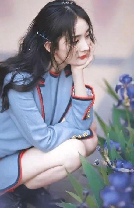 Dương Mịch cùng loạt mỹ nhân lăng xê mẫu kẹp tóc sang chảnh-9