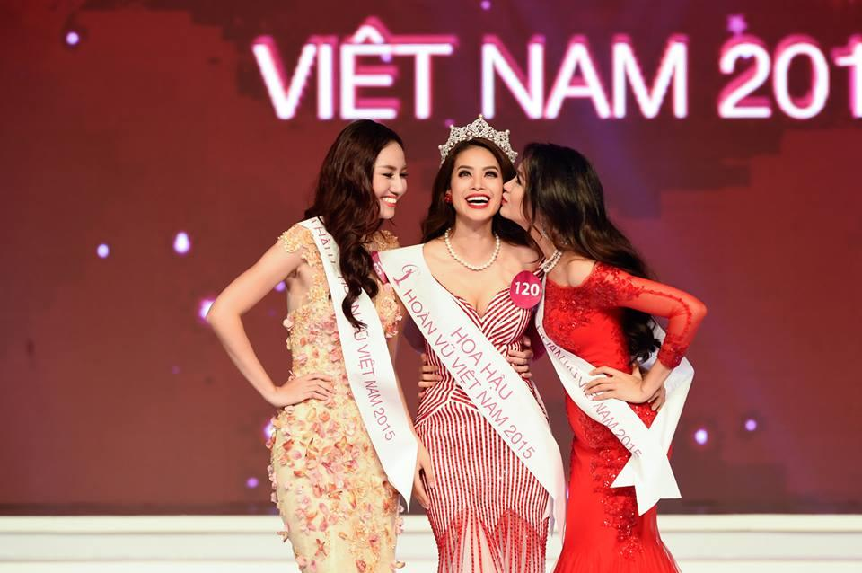 ẢNH HOT NHẤT NGÀY: 2 hoa hậu Khánh Vân và Phạm Hương làm nền cho Kỳ Duyên tỏa sáng-8