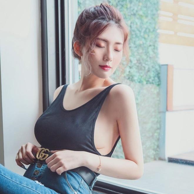 Hot girl Đài Loan bị nghi photoshop vòng một trong các ảnh đăng mạng-2