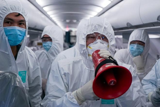 Người đi chuyến bay QR970 từ Doha về TP.HCM cần đến bệnh viện gấp-1