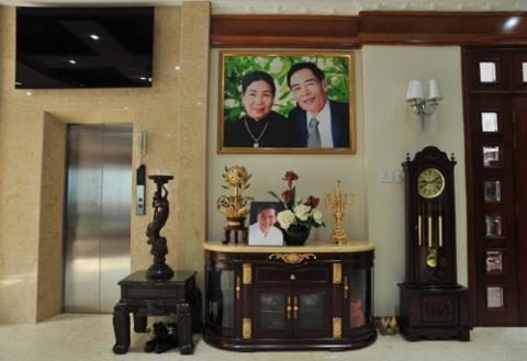 Cận cảnh biệt thự triệu đô, dát vàng 24k của những ca sĩ Việt-15
