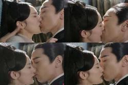 Những nụ hôn gây tranh cãi dữ dội trên màn ảnh