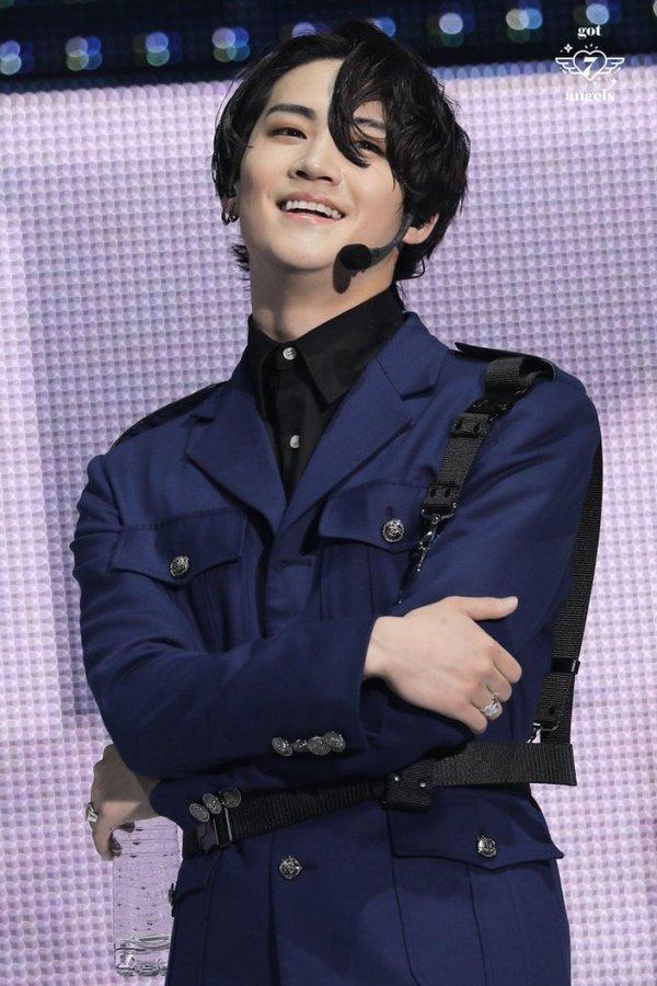 Phong cách lựa chọn trưởng nhóm idol group của ba ông lớn SM-JYP-YG có gì khác biệt?-2