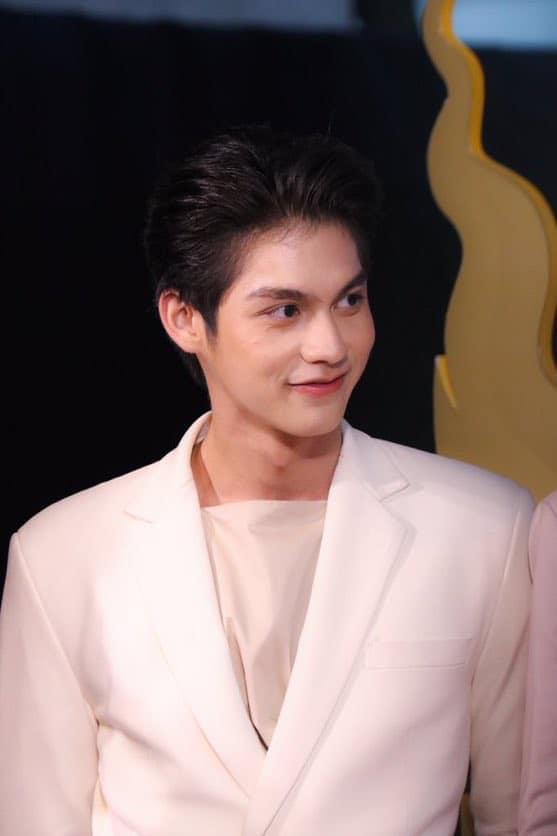 Đến chị đại The Face Thailand cũng mê mẩn hotboy đam mỹ Bright Vachirawit-10