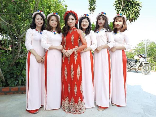 Cô dâu, chú rể Kon Tum hoãn cưới, rước dâu bằng xe máy để tránh dịch-2