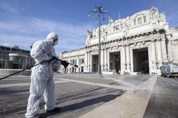 Italia ghi nhận kỷ lục 368 người chết vì Covid-19 trong ngày-1