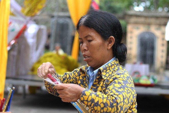 Gia đình 3 người lùn ở Hưng Yên: Ngày chỉ ăn một bữa, toàn uống nước lã và cháo loãng-1
