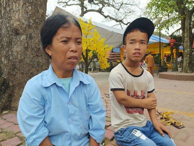 Gia đình 3 người lùn ở Hưng Yên: Ngày chỉ ăn một bữa, toàn uống nước lã và cháo loãng-3