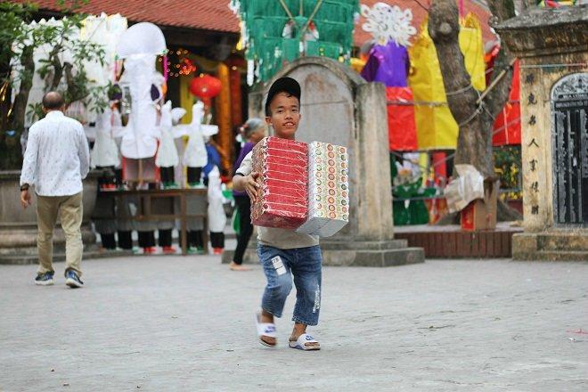 Gia đình 3 người lùn ở Hưng Yên: Ngày chỉ ăn một bữa, toàn uống nước lã và cháo loãng-4