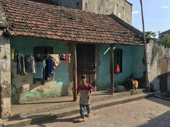 Gia đình 3 người lùn ở Hưng Yên: Ngày chỉ ăn một bữa, toàn uống nước lã và cháo loãng-5