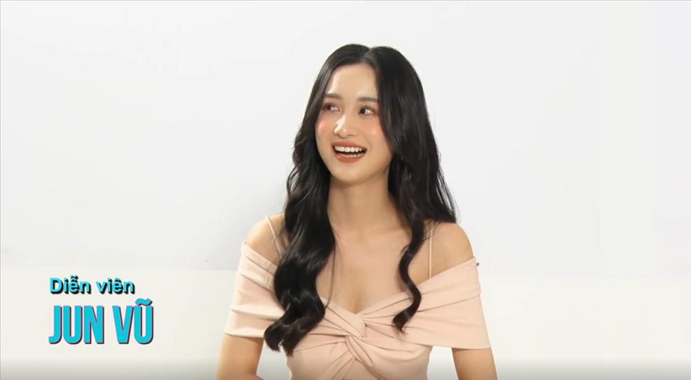Bắt trend MV Là Một Thằng Con Trai, Midu - Jun Vũ - Nam Thư tiết lộ hình mẫu nam thần lý tưởng-3