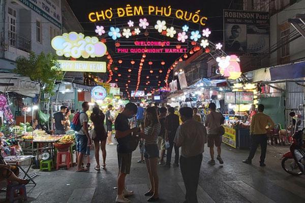 Du khách dương tính với Covid-19 đi khắp nơi ở Phú Quốc, Kiên Giang họp khẩn-1
