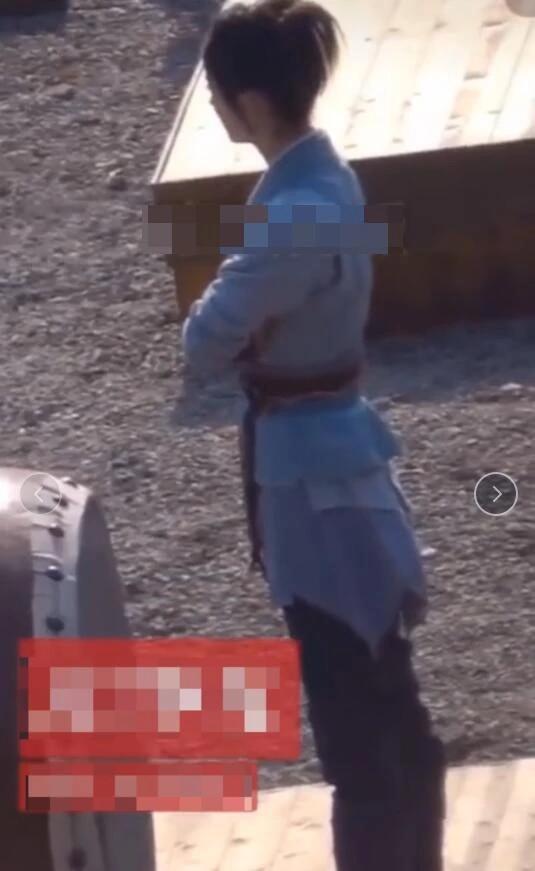 Trang phục mới của Triệu Lệ Dĩnh trong Hữu phỉ bị dân mạng chê bai tạo hình giống người hành khất-4