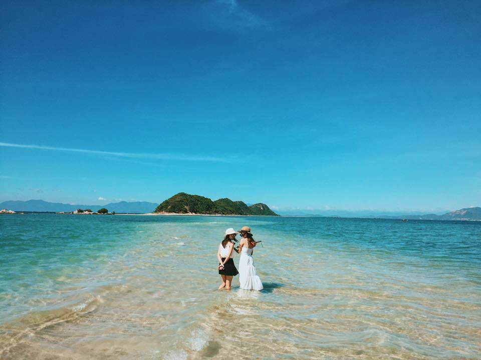 Hòn đảo ở Việt Nam sở hữu con đường xuyên biển, nam nữ trên đảo không dám yêu nhau-1