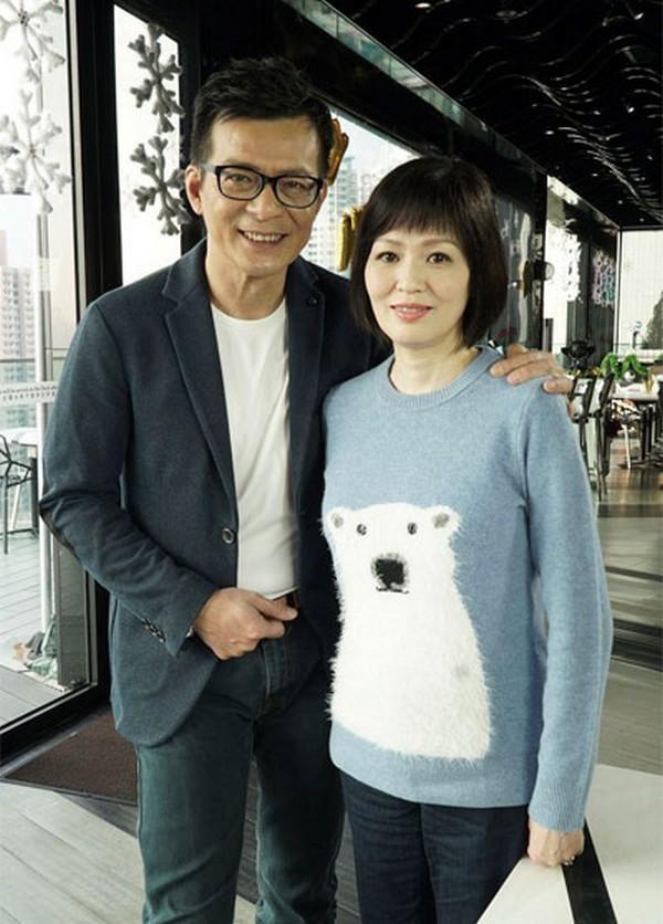 Nam thần một thời của TVB: sự nghiệp xuống dốc vì vạ miệng, tán gia bại sản cứu vợ bị bệnh ung thư-7