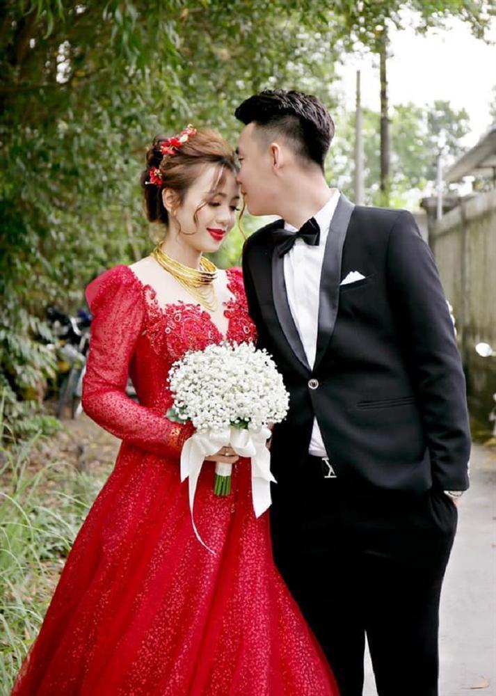 Vợ thích mặc nhiều váy trong ngày cưới nhưng không đủ tiền, anh chồng nghĩ ra cách không thể bá đạo hơn-2