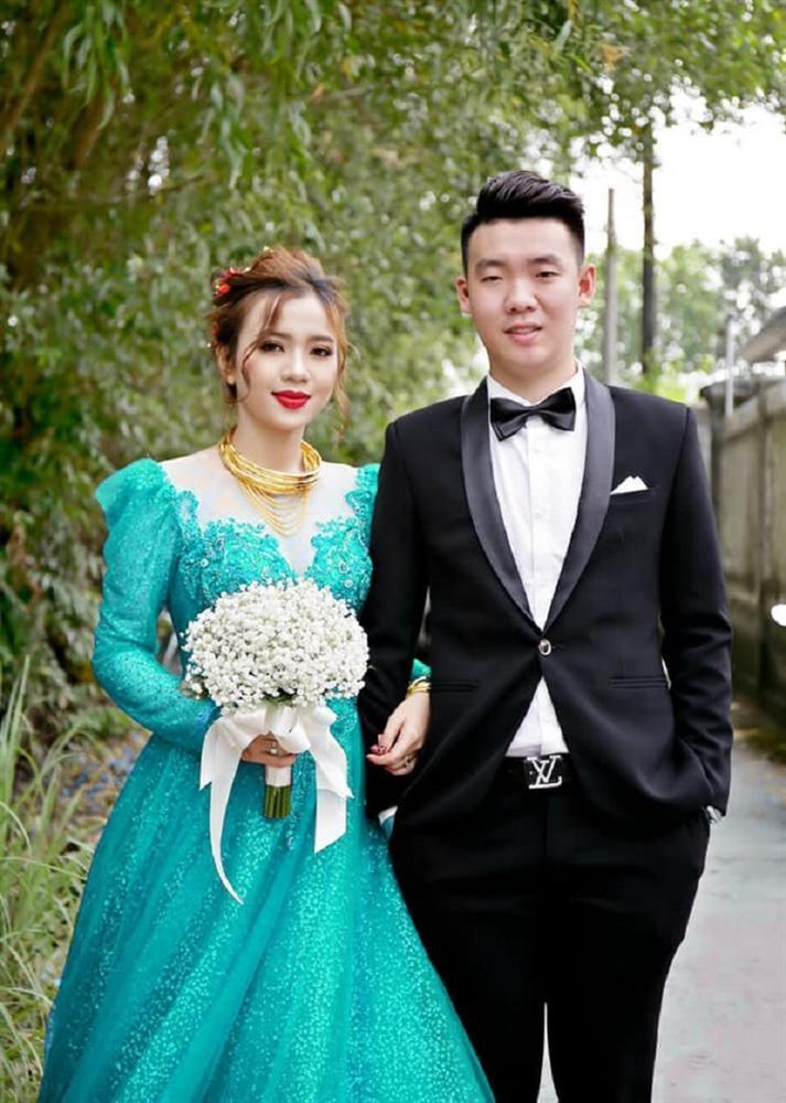 Vợ thích mặc nhiều váy trong ngày cưới nhưng không đủ tiền, anh chồng nghĩ ra cách không thể bá đạo hơn-7